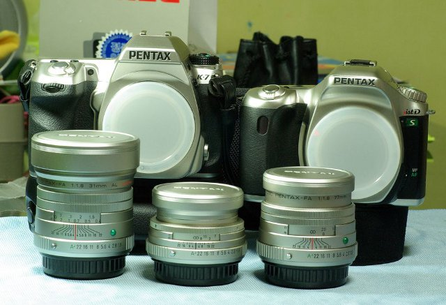 penxtal DSLR silver family from pentax club
